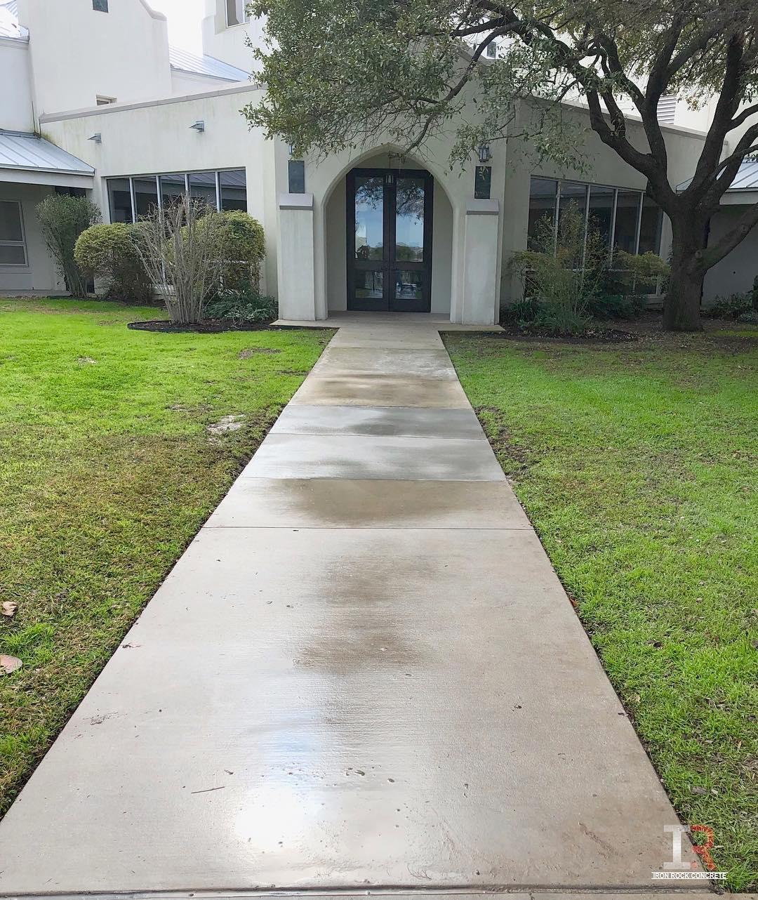 Ashley Oaks Apartments: Commercial Concrete & Sidewalks: San Antonio, TX